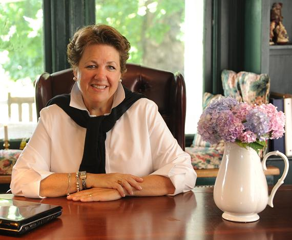 Gail  L Lee