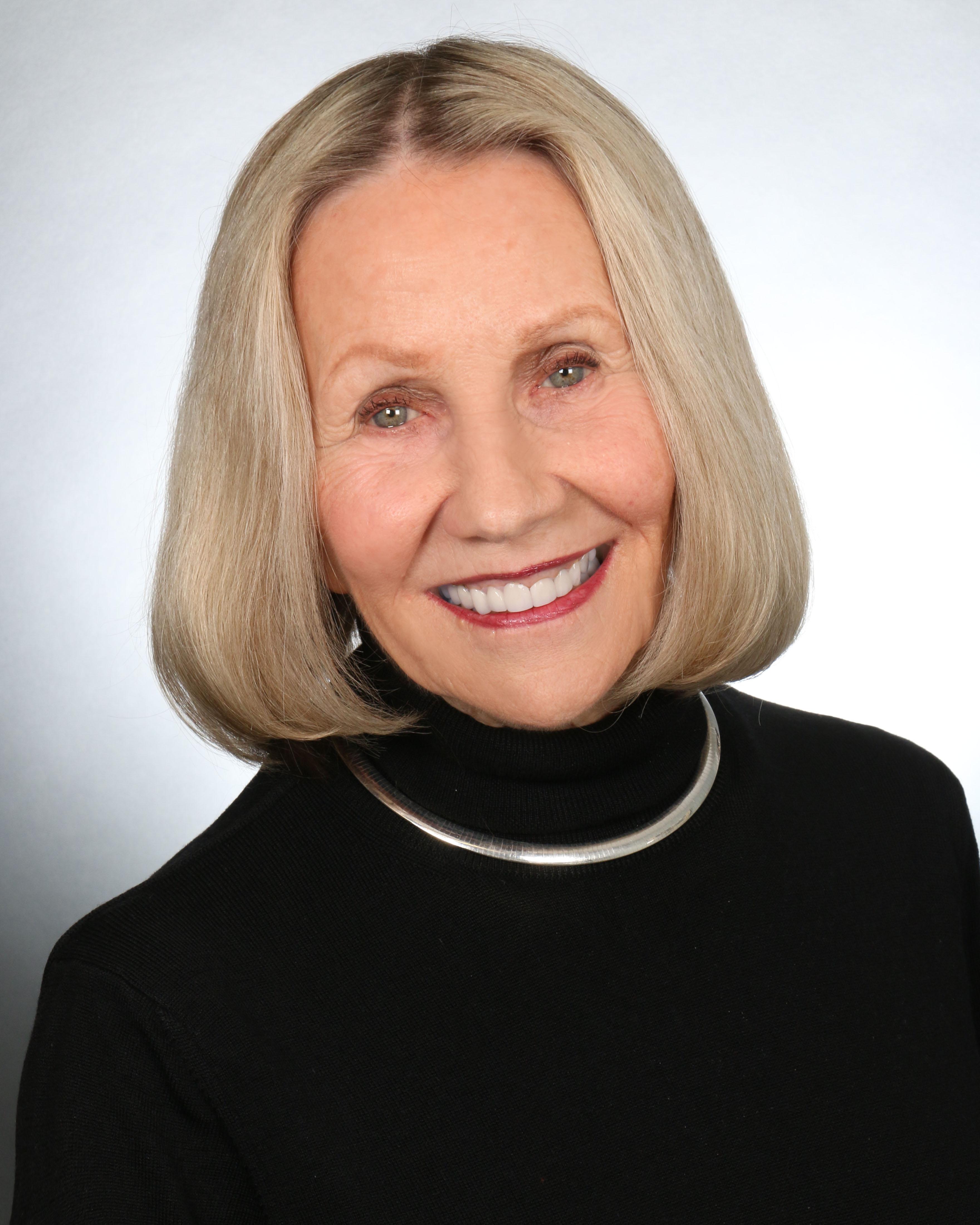 Vicki  Sindler