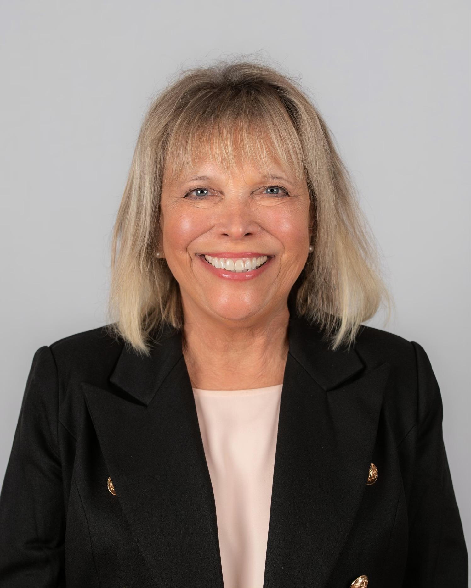 Susan  Derco