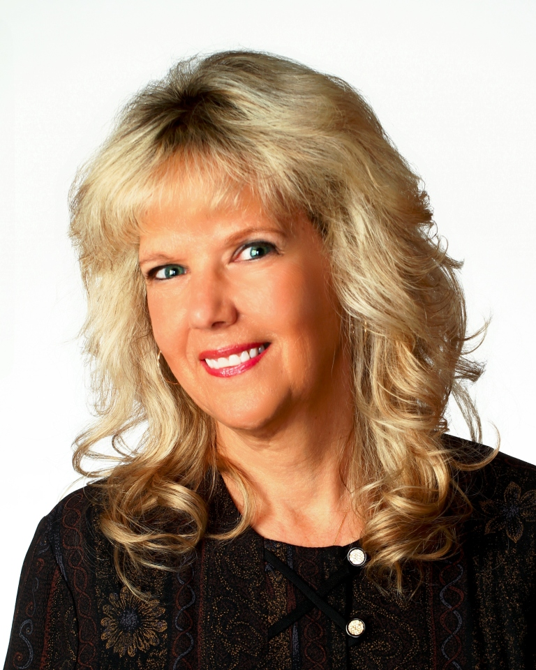 Suzanne  Myers-Kmiecik