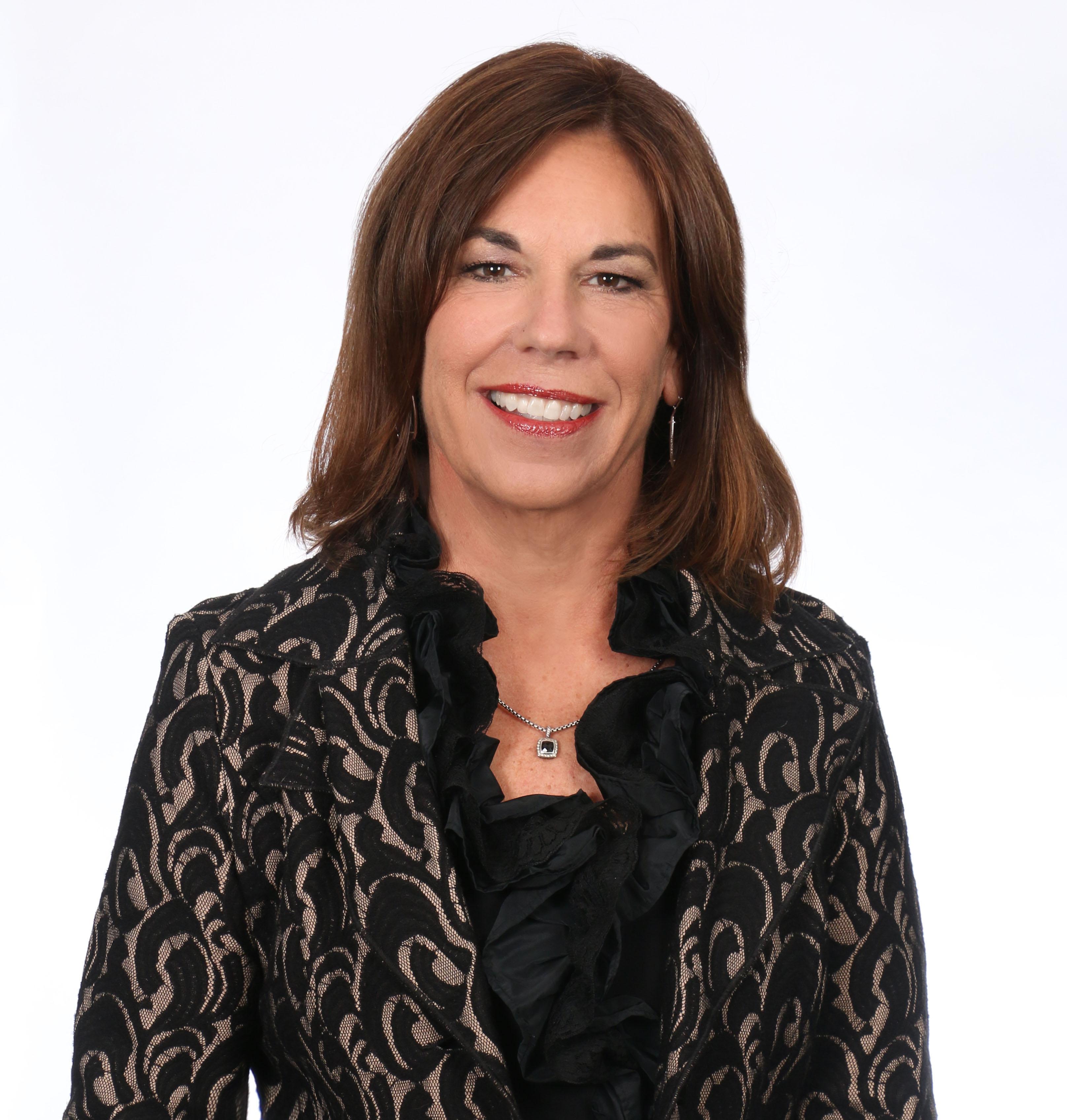 Sandra  E. Saunders