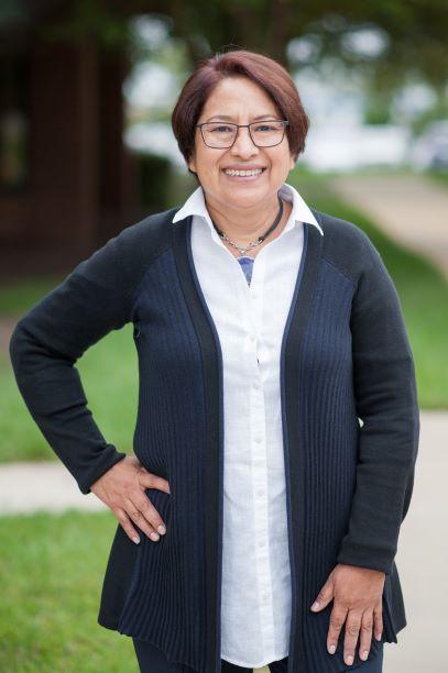 Angela  Valdivia