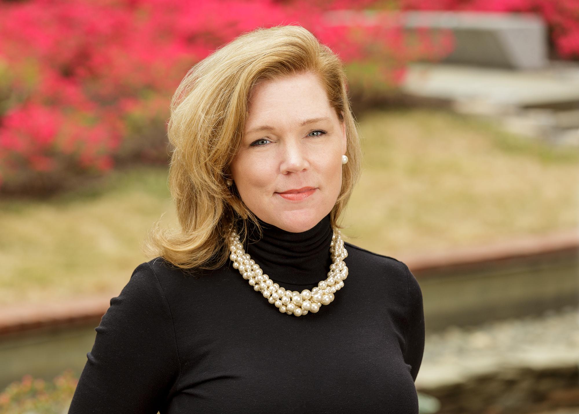 Cheryl R Leahy