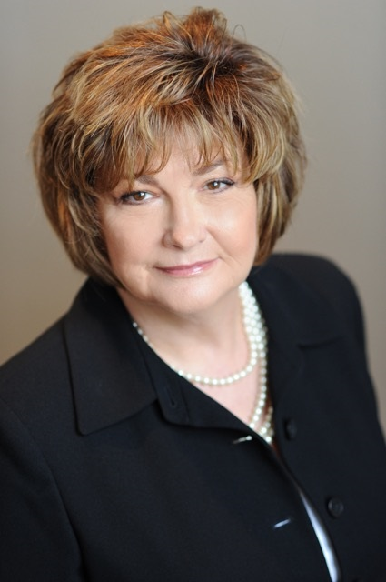 Donna  D Hollifield