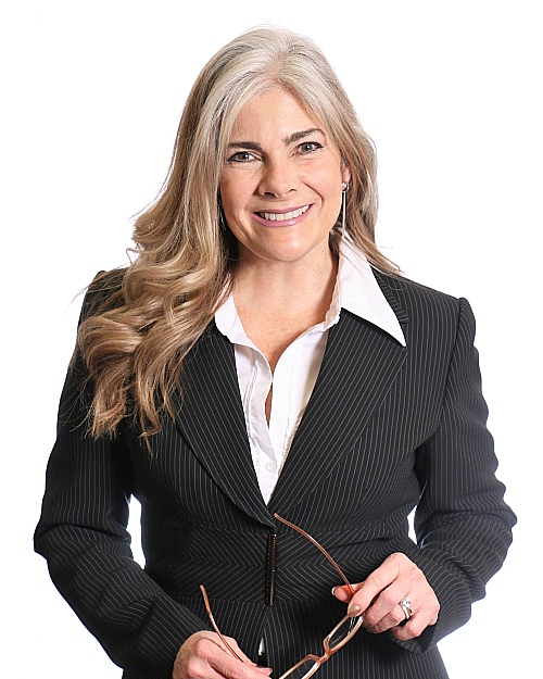 Sandra  Reynolds