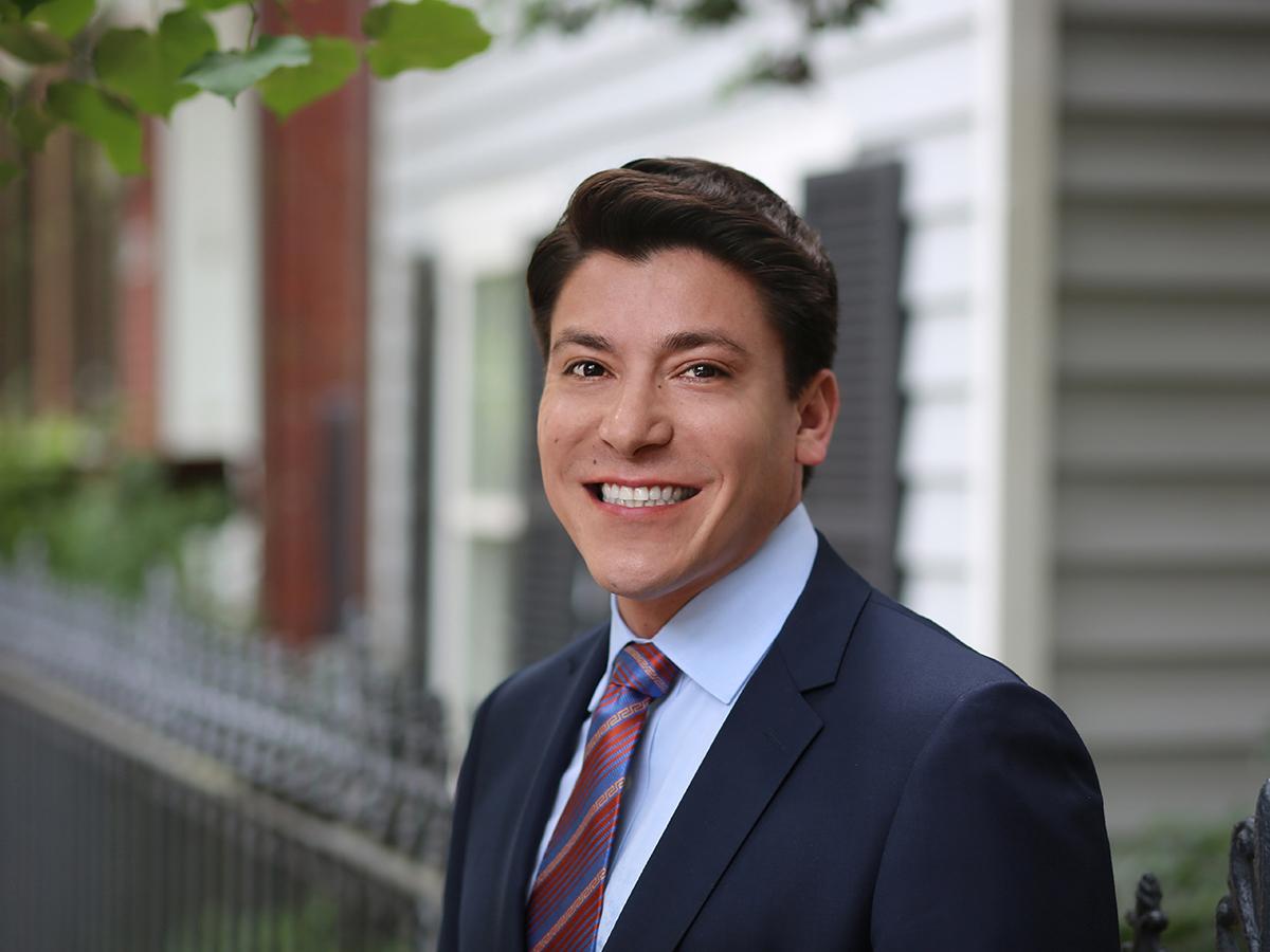 Robert Bella Hernandez