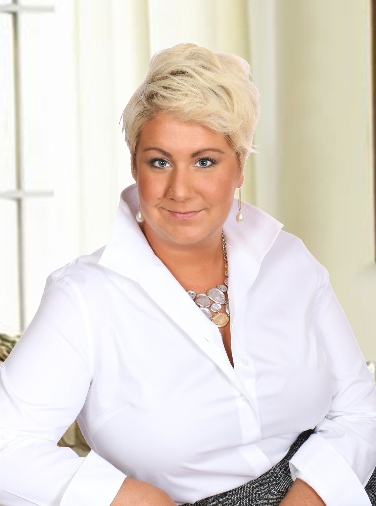 Nicole  Canole