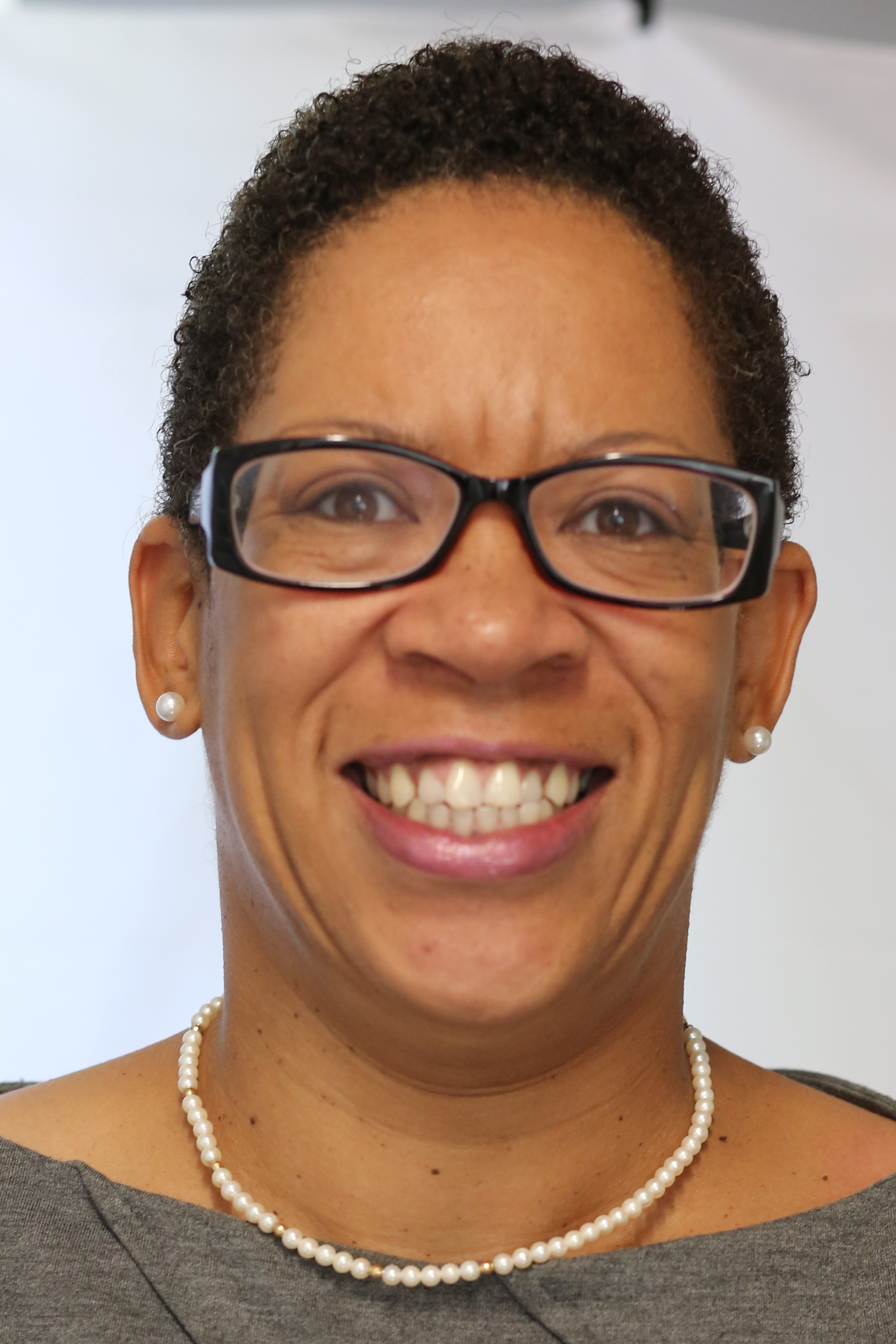 Arleta D Davis