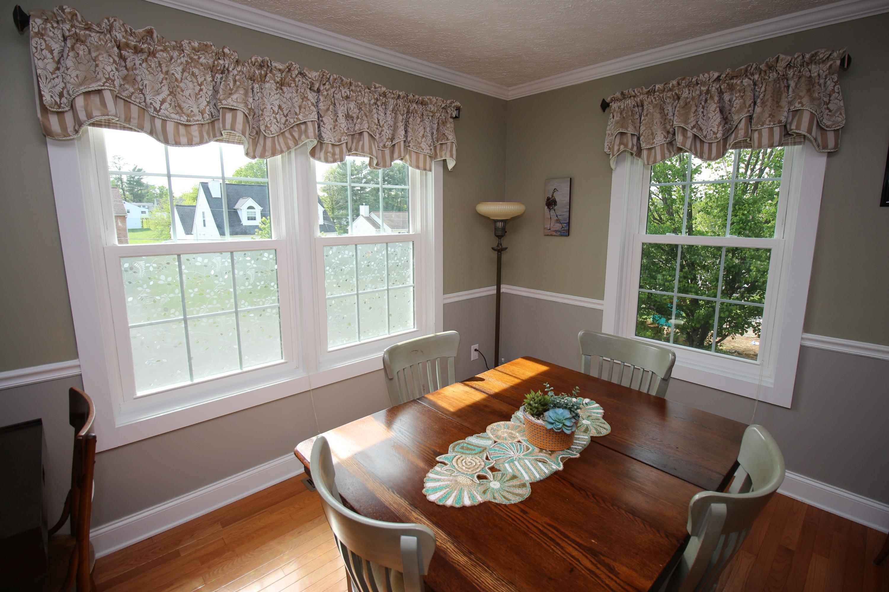 Additional photo for property listing at 270 Robert St Christiansburg, Virginia 24073 United States