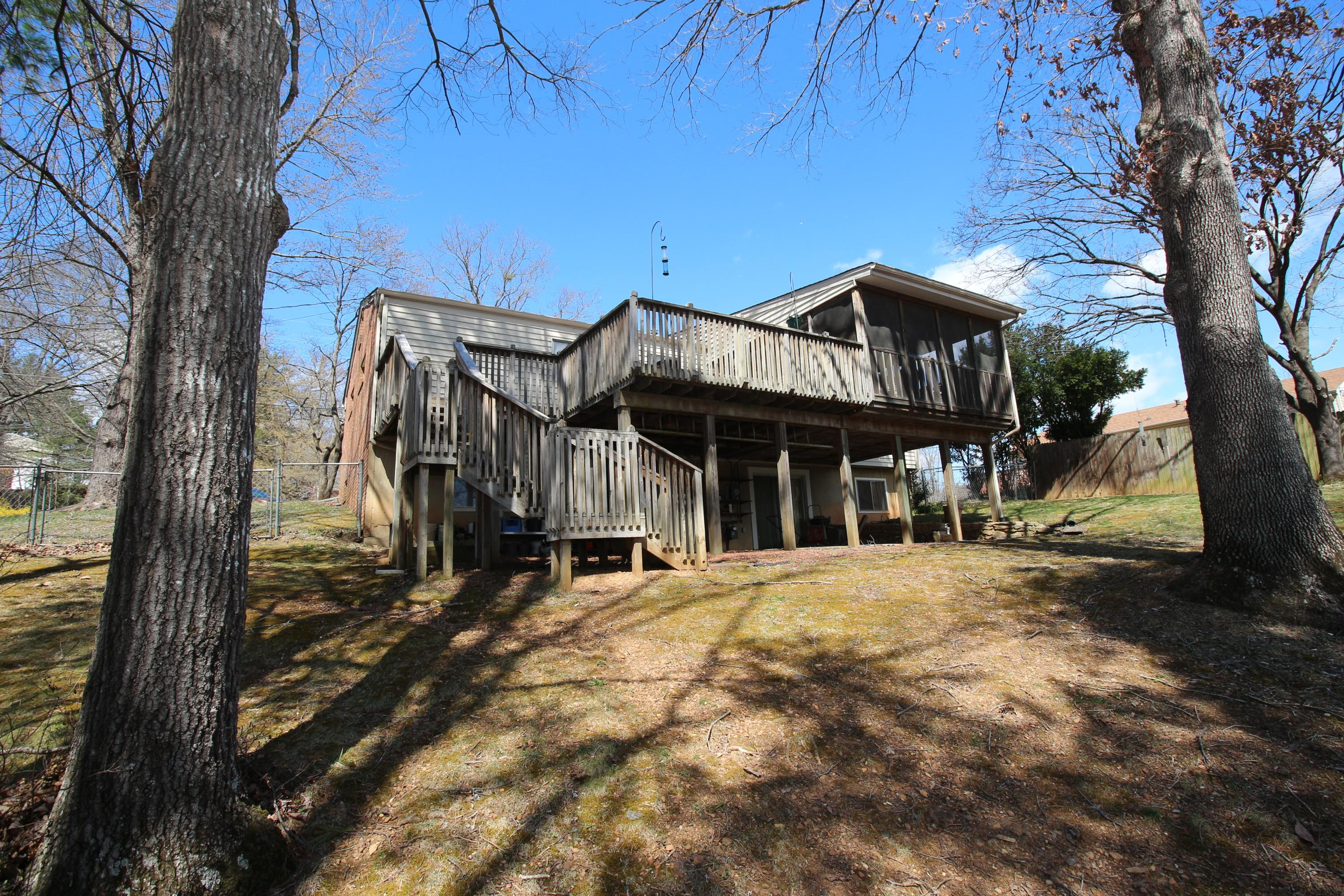 Additional photo for property listing at 3918 Chaparral Dr Roanoke, Virginia 24018 United States