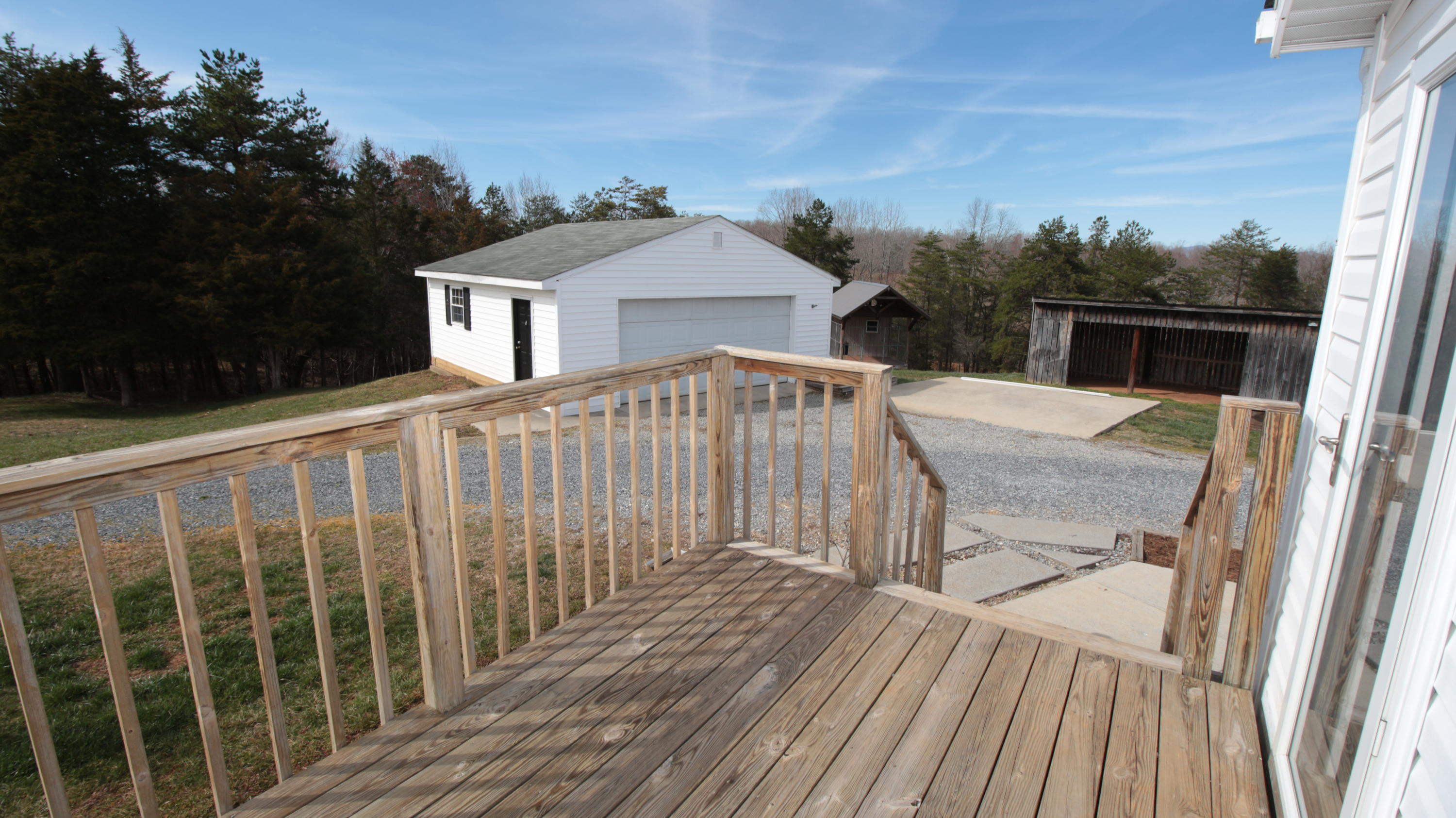 Additional photo for property listing at 1396 Stone Mountain Rd Bedford, Virginia 24523 United States
