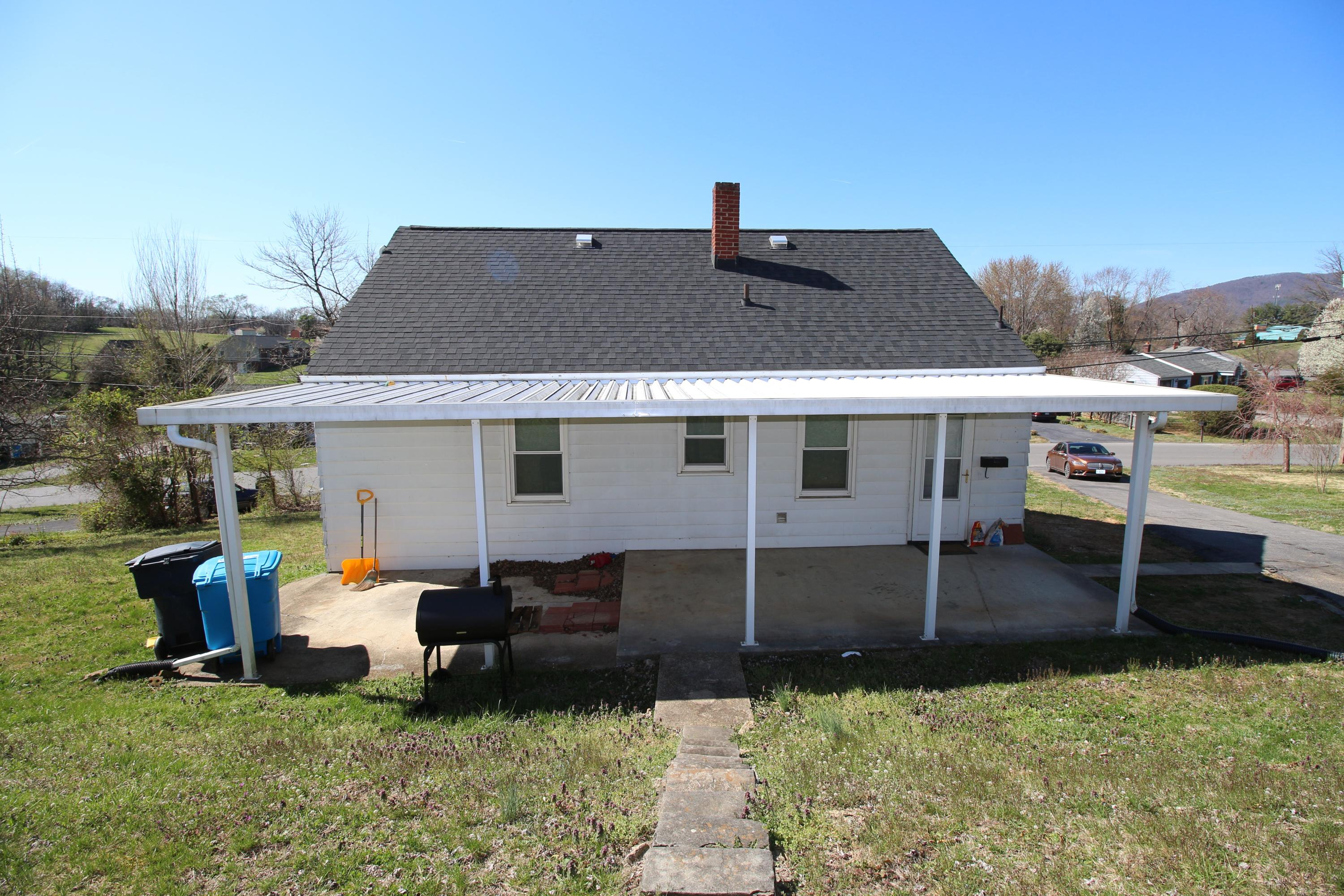 Additional photo for property listing at 2819 Cannaday Rd Roanoke, Virginia 24012 United States