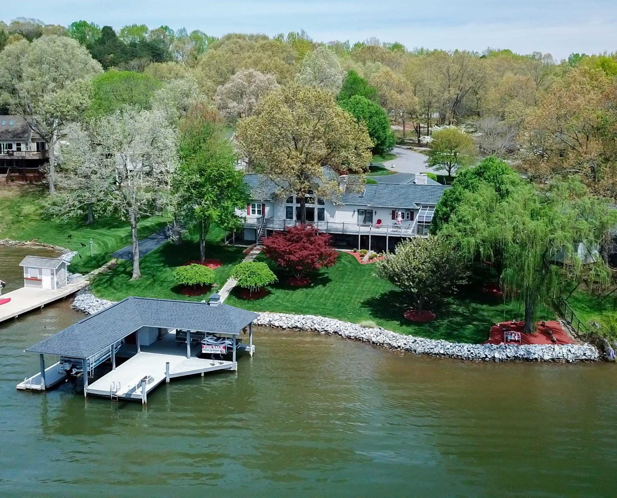 Residential for Sale at 20 Deep Creek Ct 20 Deep Creek Ct Moneta, Virginia 24121 United States