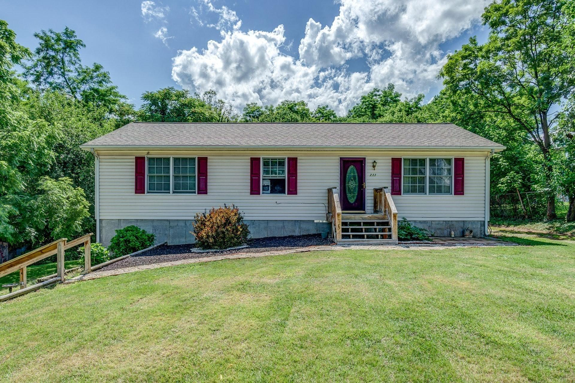 Residential for Sale at 233 Ward St Salem, Virginia 24153 United States