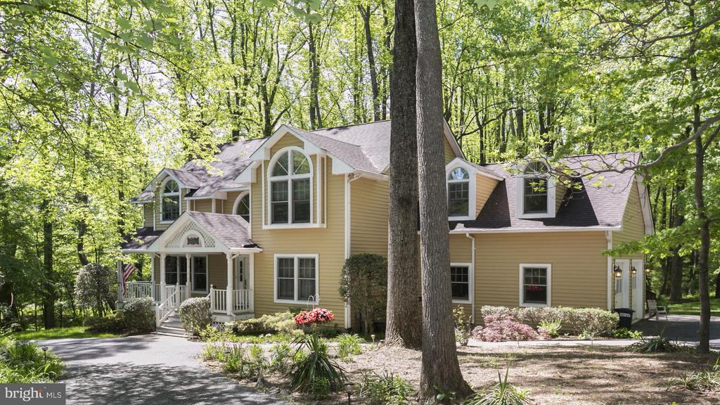 Single Family for Sale at 7101 Mink Hollow Rd Highland, Maryland 20777 United States
