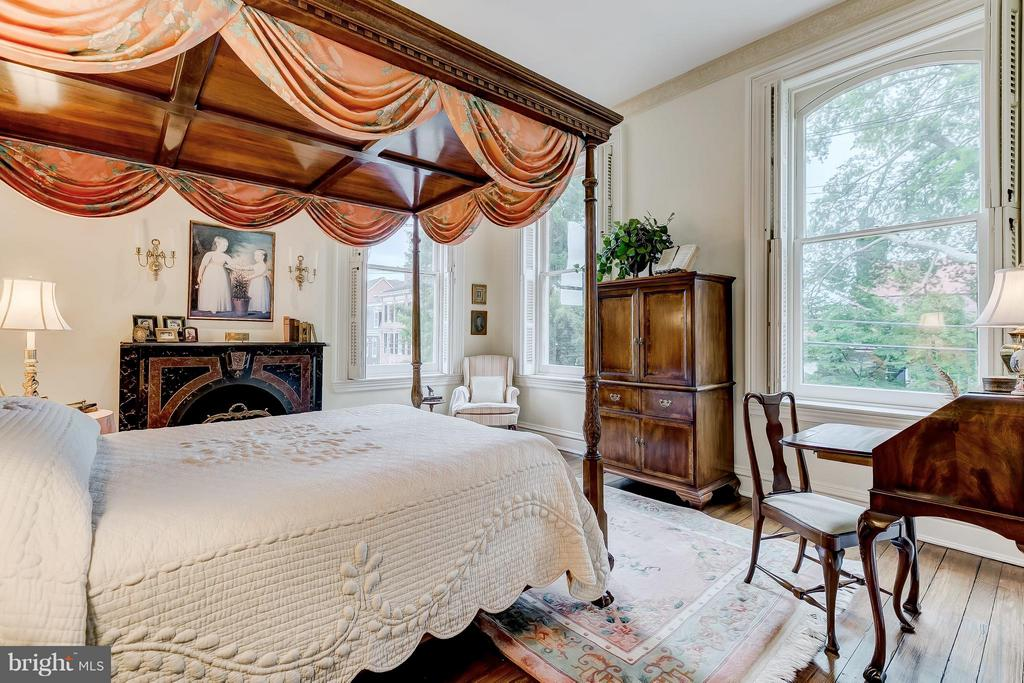 Additional photo for property listing at 194 Prince George St Annapolis, Maryland 21401 United States