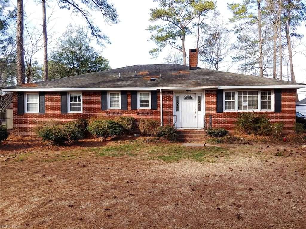 Single Family for Sale at 124 Causeway Dr 124 Causeway Dr Chesapeake, Virginia 23322 United States