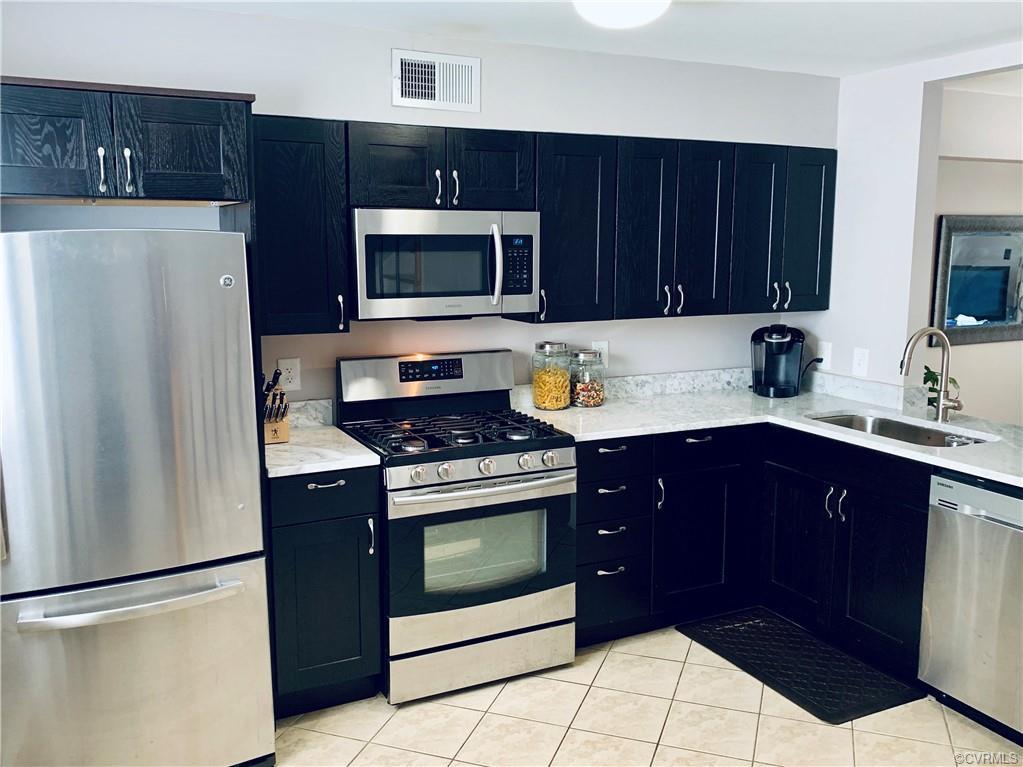 Condominiums for Sale at 405 N Hamilton St Unit#ue Richmond, Virginia 23221 United States