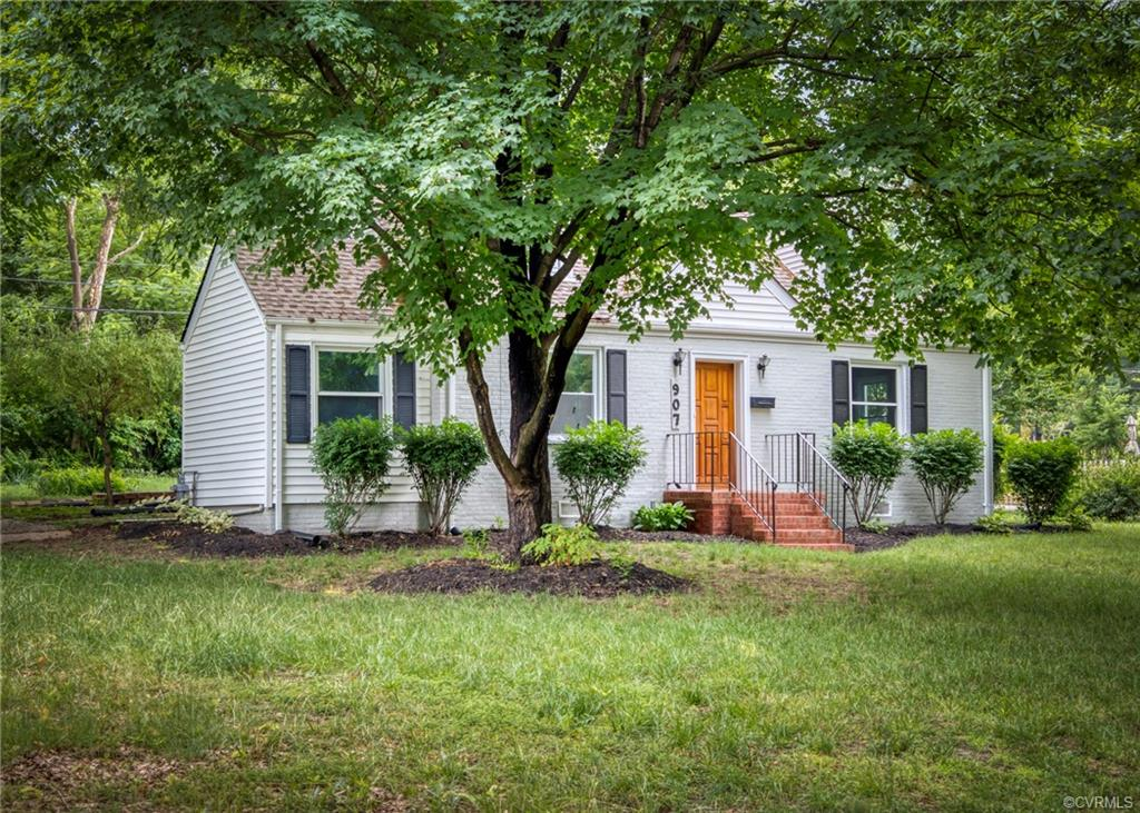 Single Family for Sale at 907 Willow Lawn Dr Richmond, Virginia 23226 United States