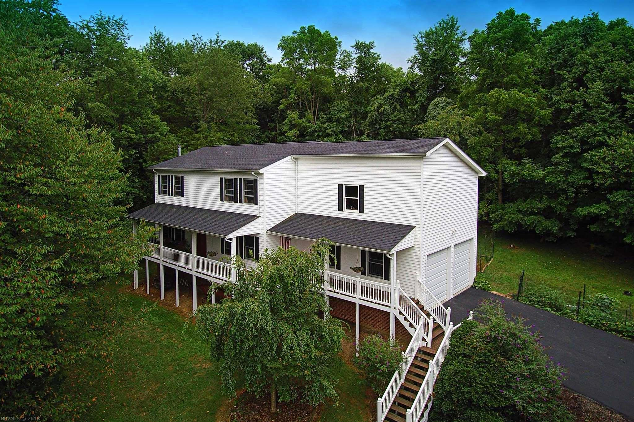 Single Family for Sale at 7530 Bluff View Drive 7530 Bluff View Drive Radford, Virginia 24141 United States