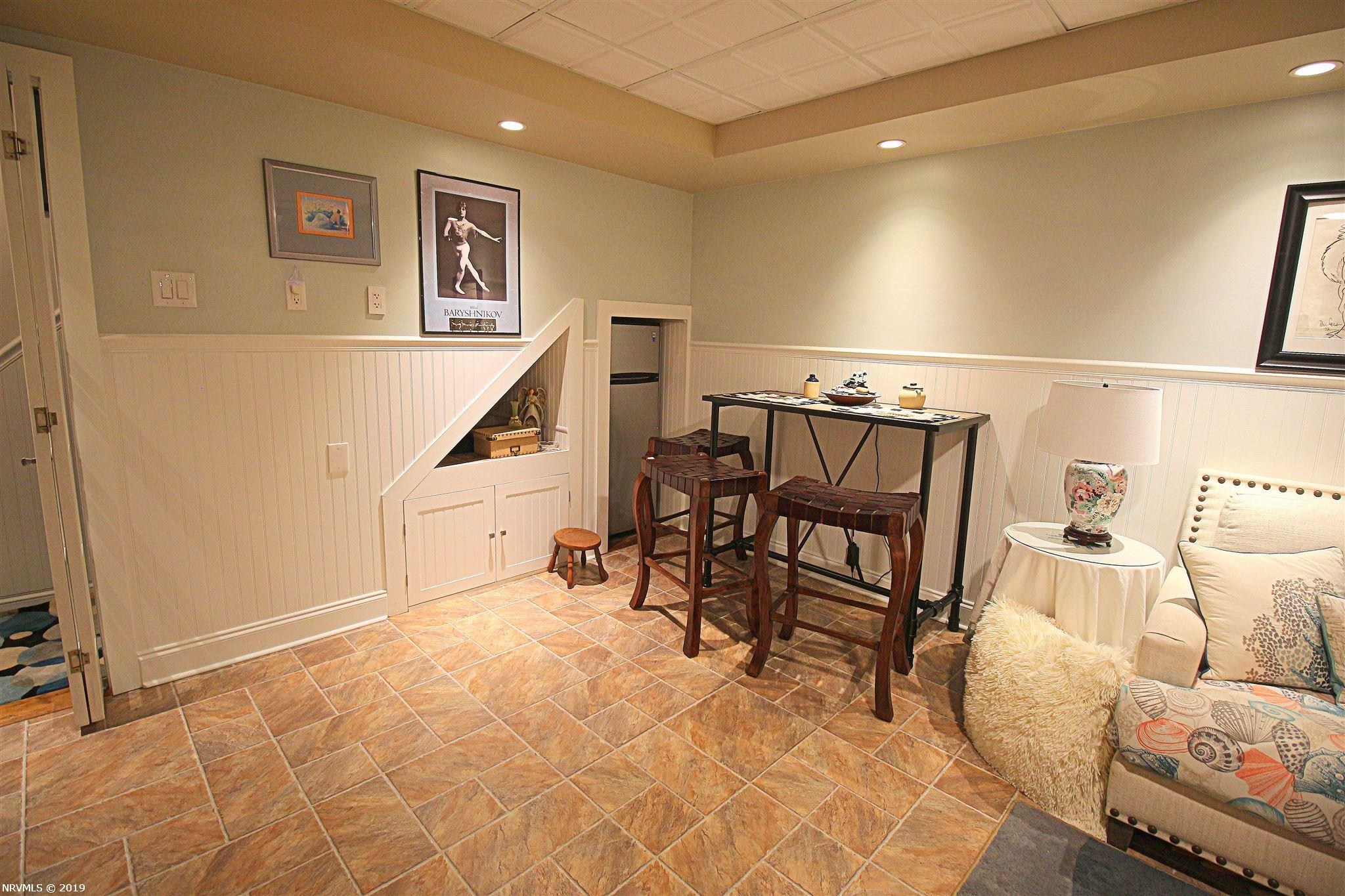 Additional photo for property listing at 270 Robert Street Christiansburg, Virginia 24073 United States