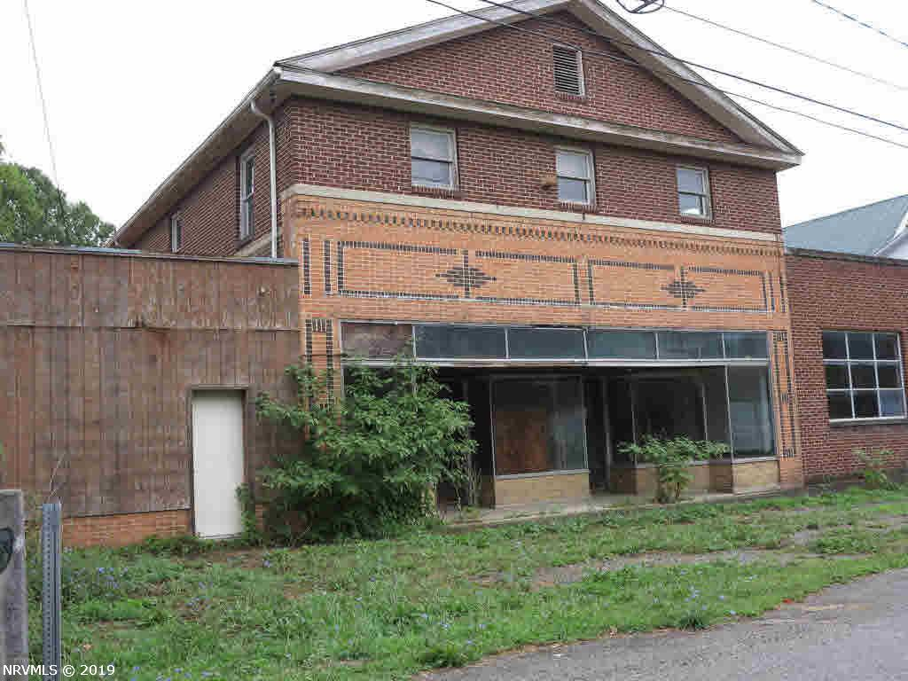 Commercial for Sale at 1680 Big Spring Drive 1680 Big Spring Drive Elliston, Virginia 24087 United States