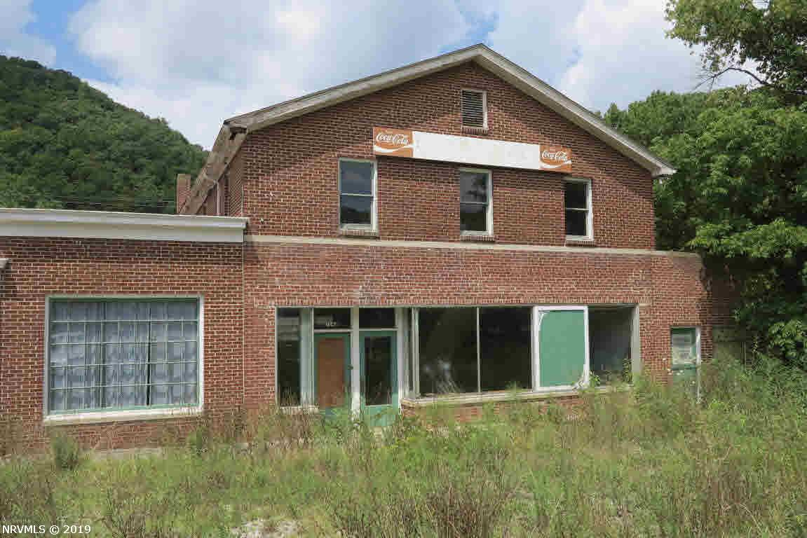 Additional photo for property listing at 1680 Big Spring Drive Elliston, Virginia 24087 United States