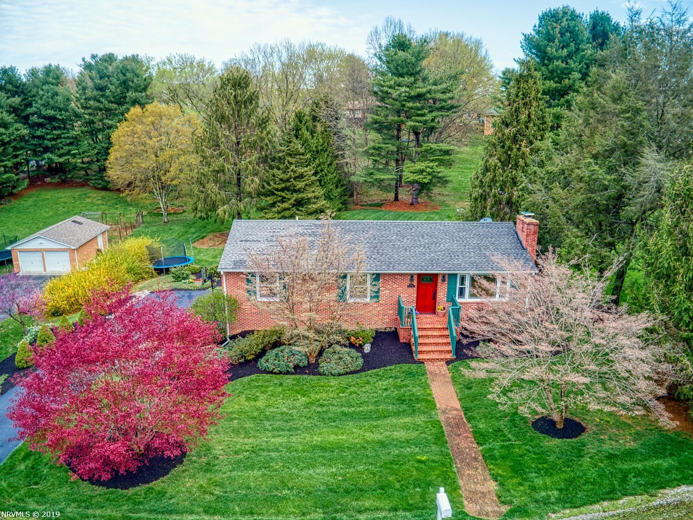 Single Family for Sale at 1302 Greendale Drive 1302 Greendale Drive Blacksburg, Virginia 24060 United States