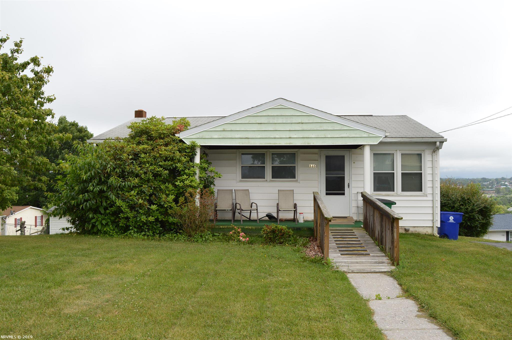 Single Family for Sale at 535 High Street N Christiansburg, Virginia 24073 United States