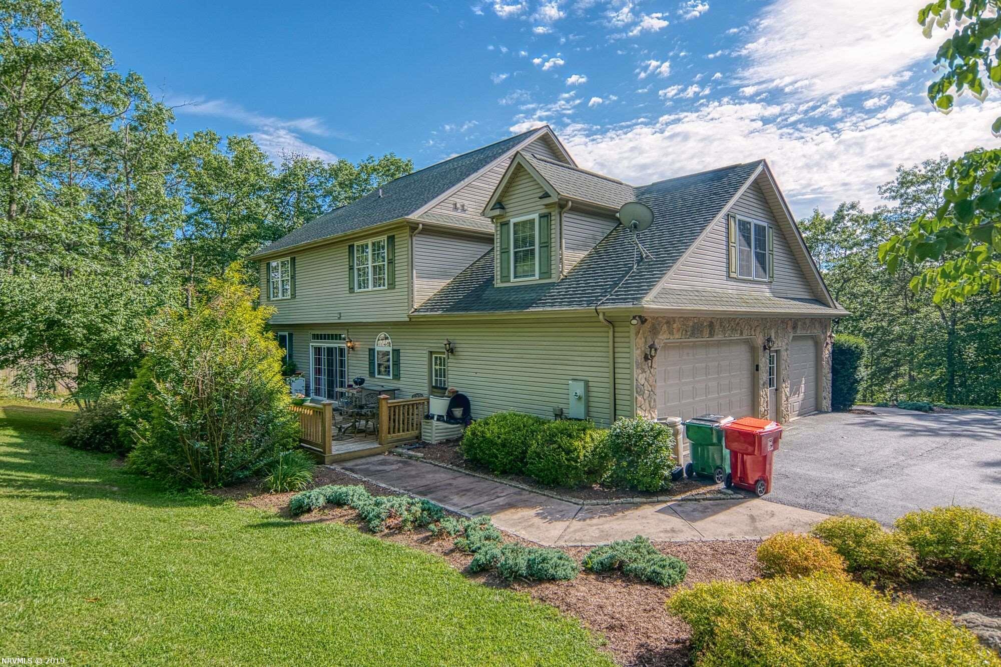 Additional photo for property listing at 590 Brush Mtn Road W Blacksburg, Virginia 24060 United States