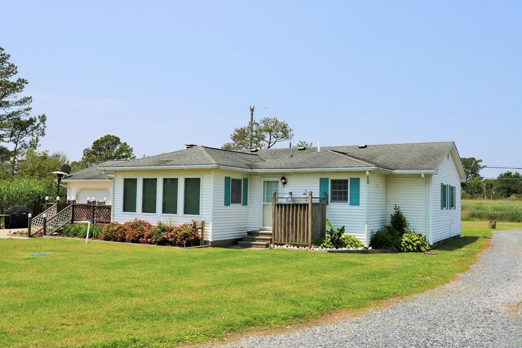 Single Family for Sale at 3386 Hook Dr 3386 Hook Dr Chincoteague, Virginia 23336 United States