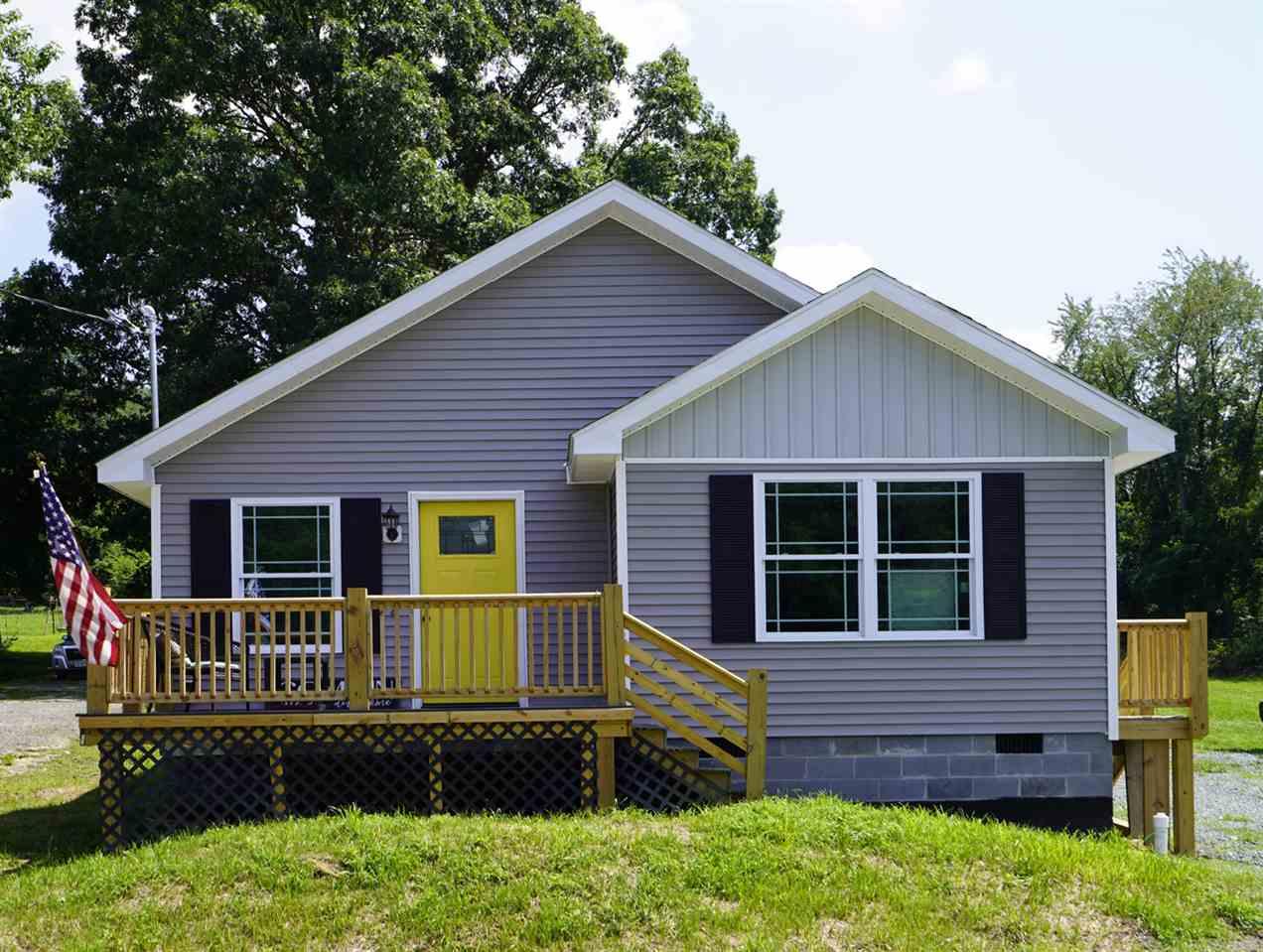 Single Family for Sale at 1074 Albemarle Ave 1074 Albemarle Ave Waynesboro, Virginia 22980 United States