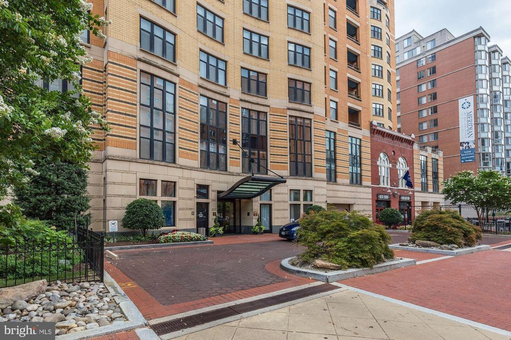 condominiums for Sale at 400 Massachusetts Ave NW #508 400 Massachusetts Ave NW #508 Washington, District Of Columbia 20001 United States