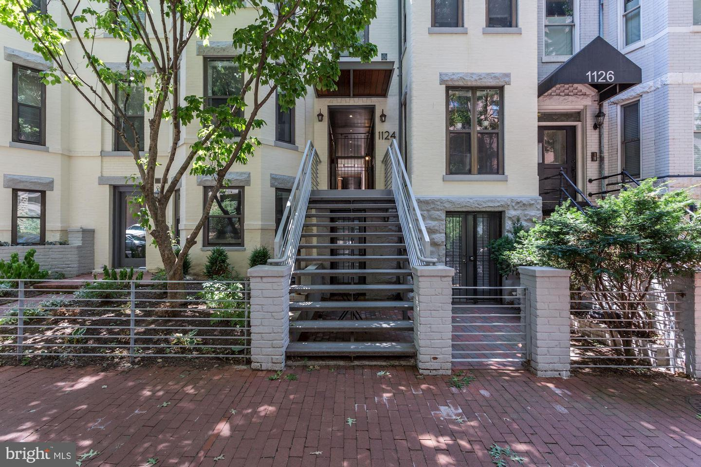 Condominiums for Sale at 1124 25th St NW #211 Washington, District Of Columbia 20037 United States