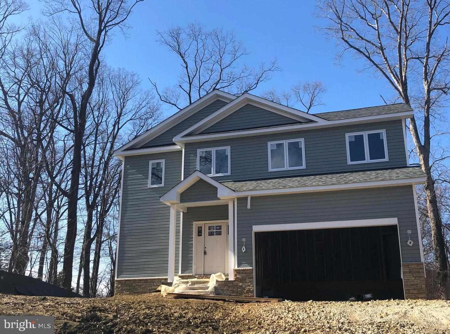 Single Family for Sale at 286 Cedar Ln Annapolis, Maryland 21403 United States