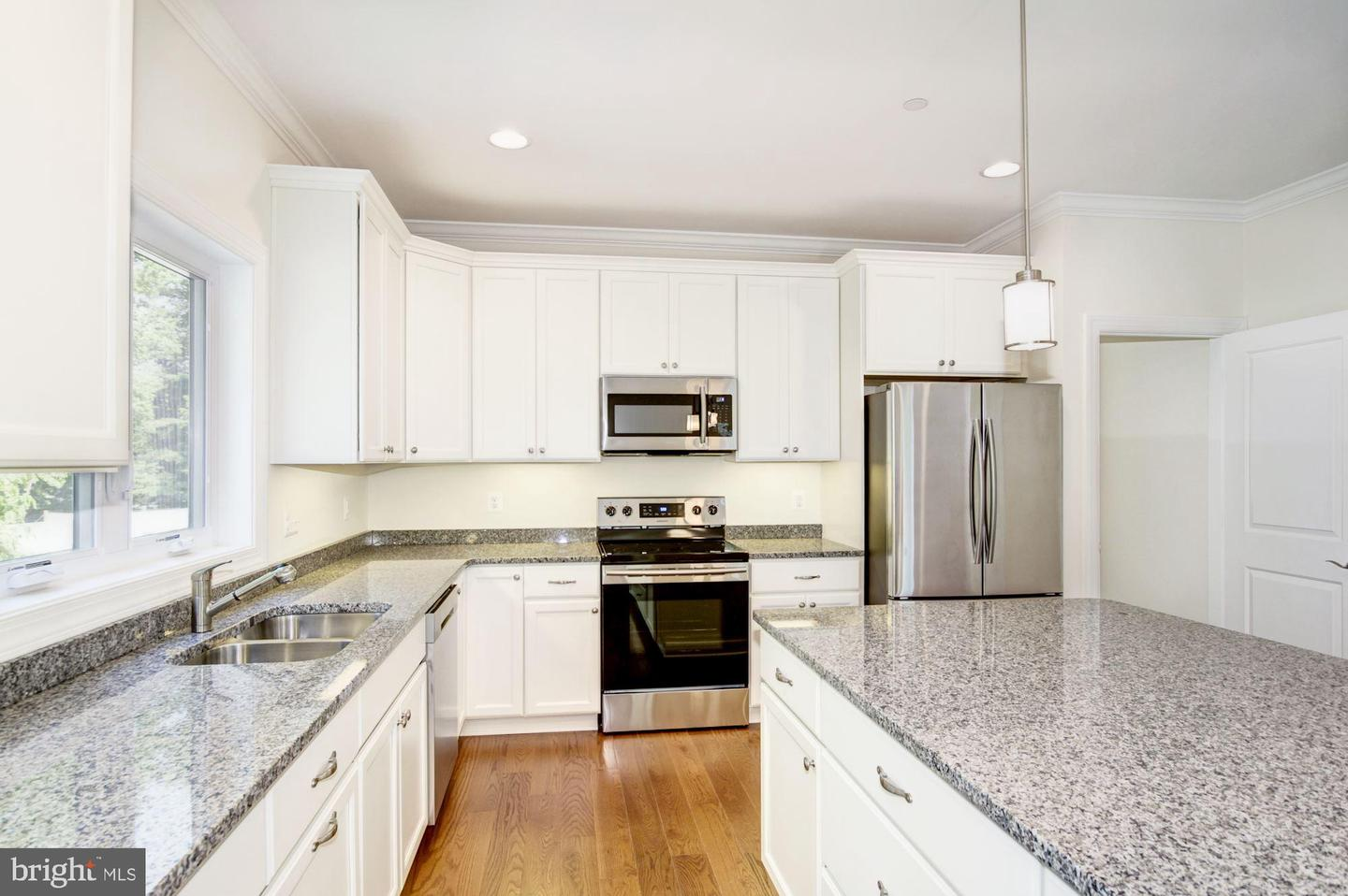 Additional photo for property listing at 286 Cedar Ln Annapolis, Maryland 21403 United States