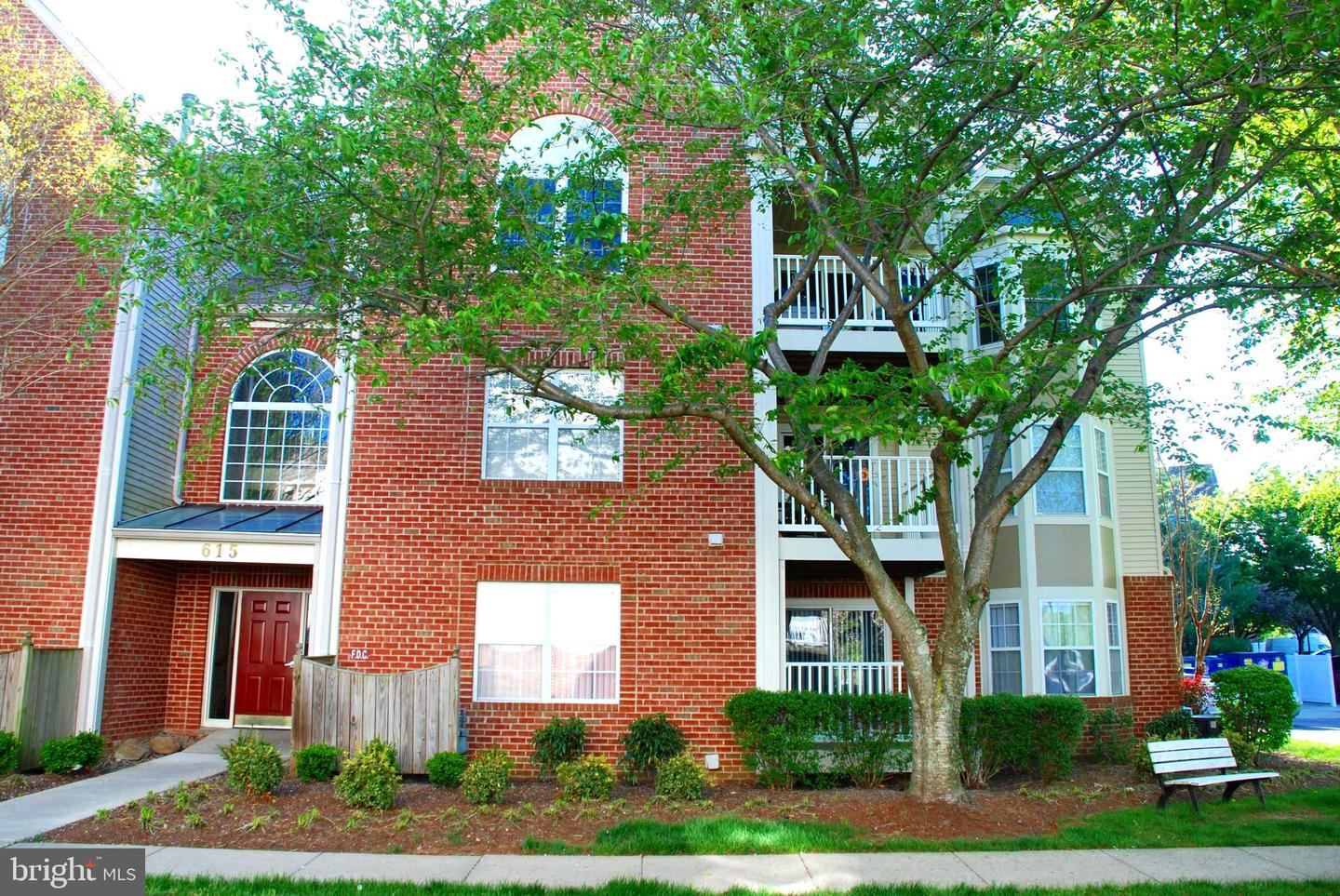 Condominiums for Sale at 615 Admiral Dr #208 (Door #5208) Annapolis, Maryland 21401 United States
