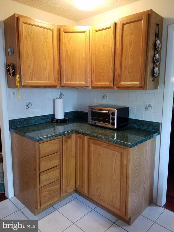 Additional photo for property listing at 7805 Bastille Rd Severn, Maryland 21144 United States