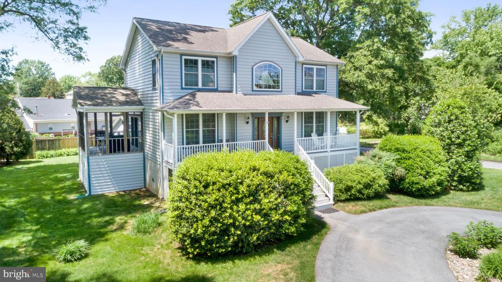 Single Family for Sale at 3700 Beach Drive Blvd Edgewater, Maryland 21037 United States
