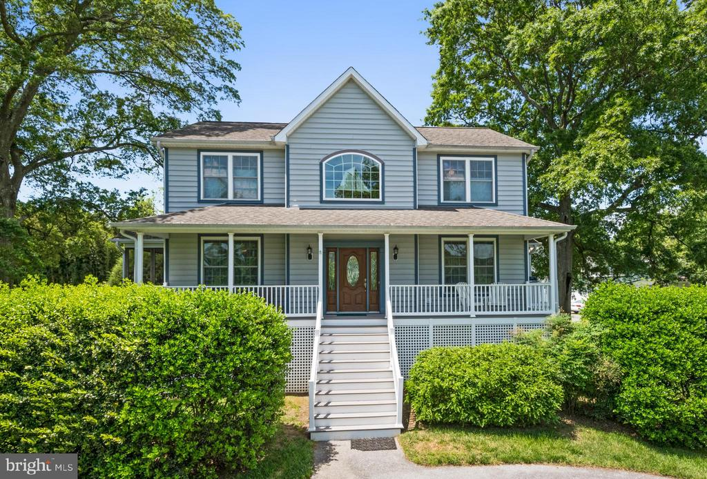 Additional photo for property listing at 3700 Beach Drive Blvd Edgewater, Maryland 21037 United States