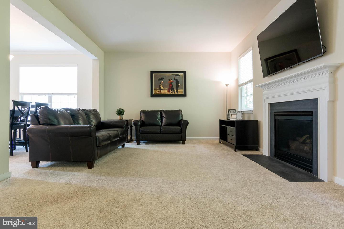 Additional photo for property listing at 6933 Heritage Xing Glen Burnie, Maryland 21060 United States