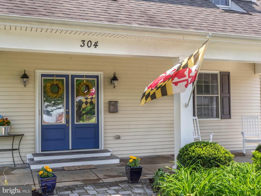 Single Family for Sale at 304 N Linden Ave Annapolis, Maryland 21401 United States