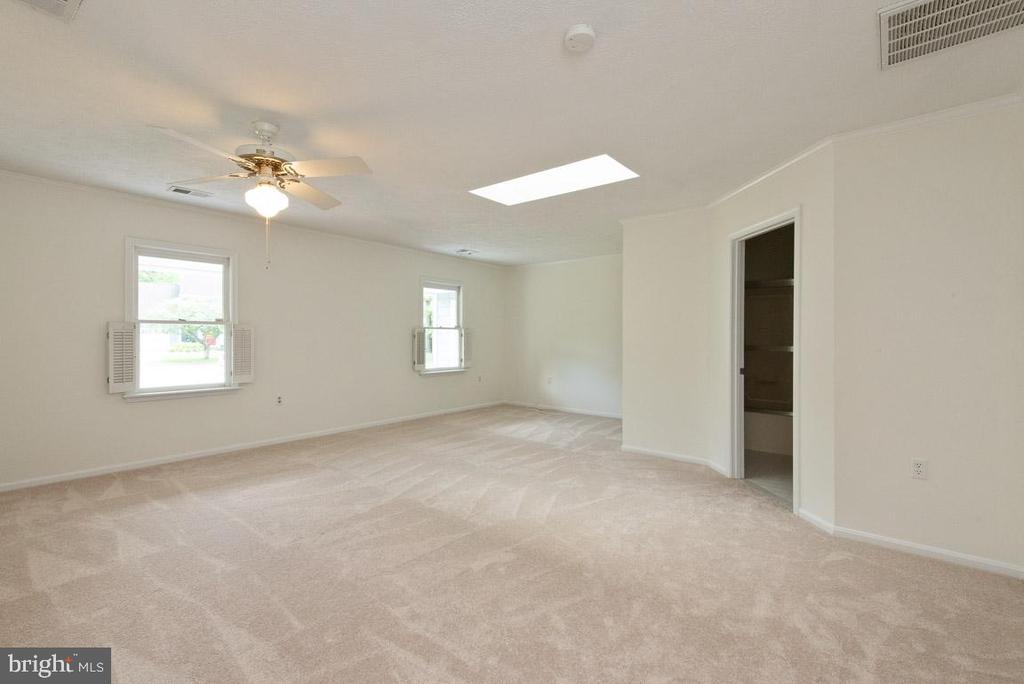 Additional photo for property listing at 232 Pawtucket Ct Severna Park, Maryland 21146 United States