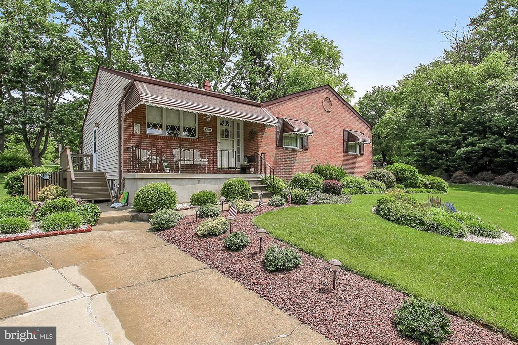 Single Family for Sale at 4504 Ebenezer Rd 4504 Ebenezer Rd Baltimore, Maryland 21236 United States
