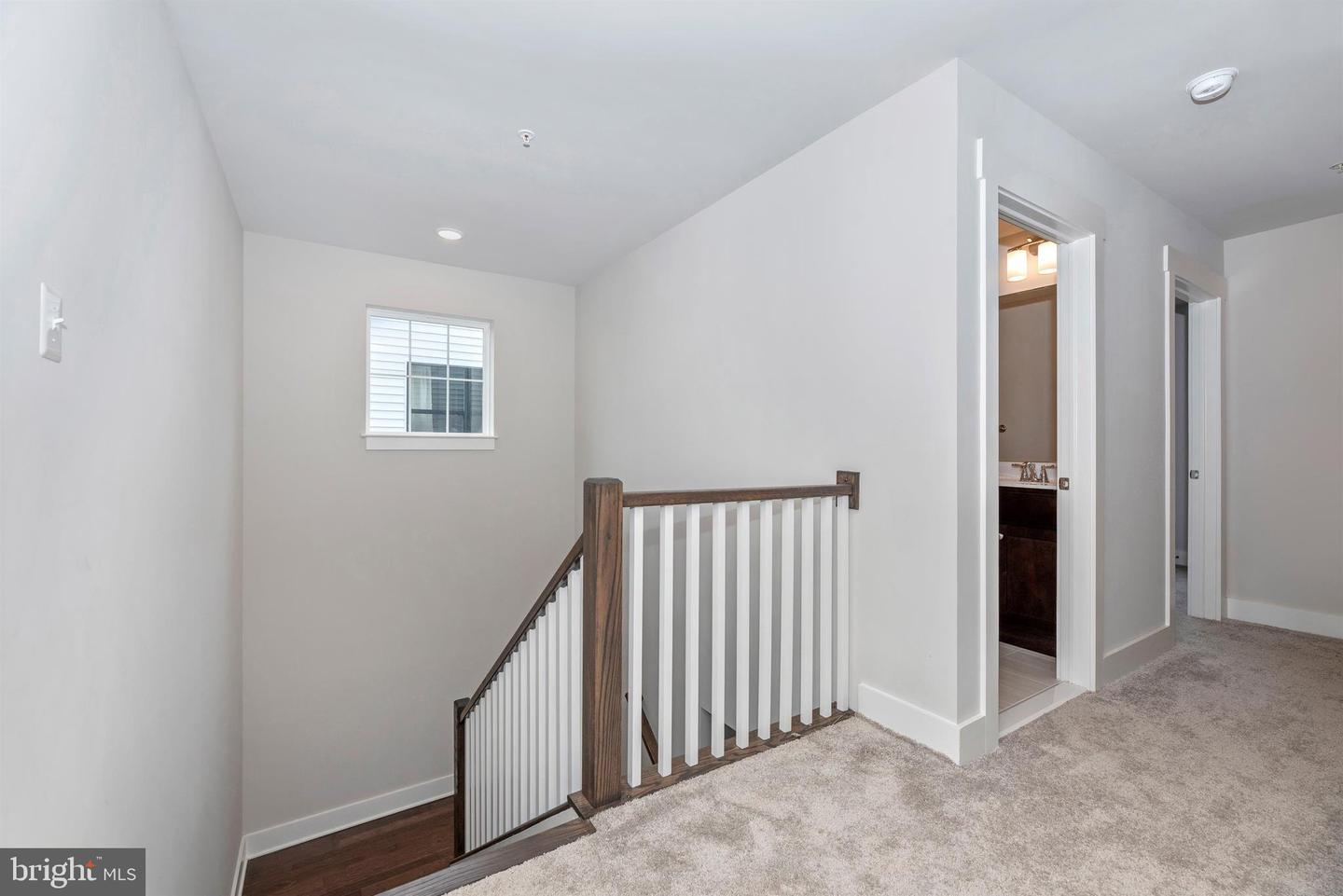 Additional photo for property listing at 607 Gillespie Dr Frederick, Maryland 21702 United States