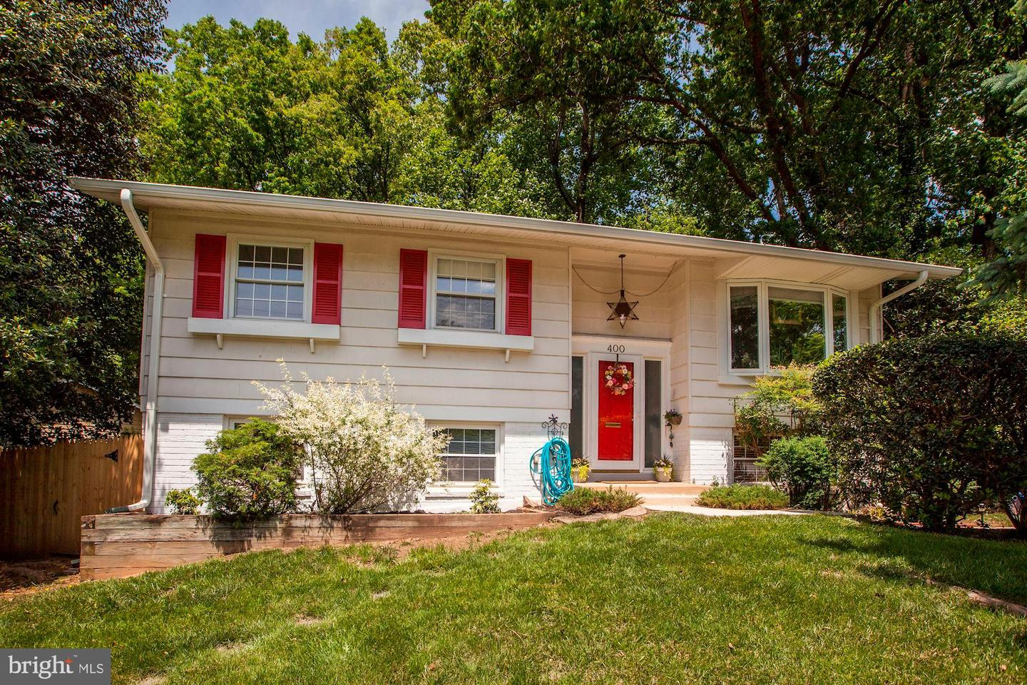 Single Family for Sale at 400 Mannakee St Rockville, Maryland 20850 United States