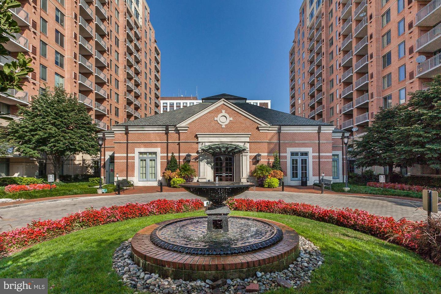 condominiums for Sale at 11710 Old Georgetown Rd #1302 11710 Old Georgetown Rd #1302 North Bethesda, Maryland 20852 United States