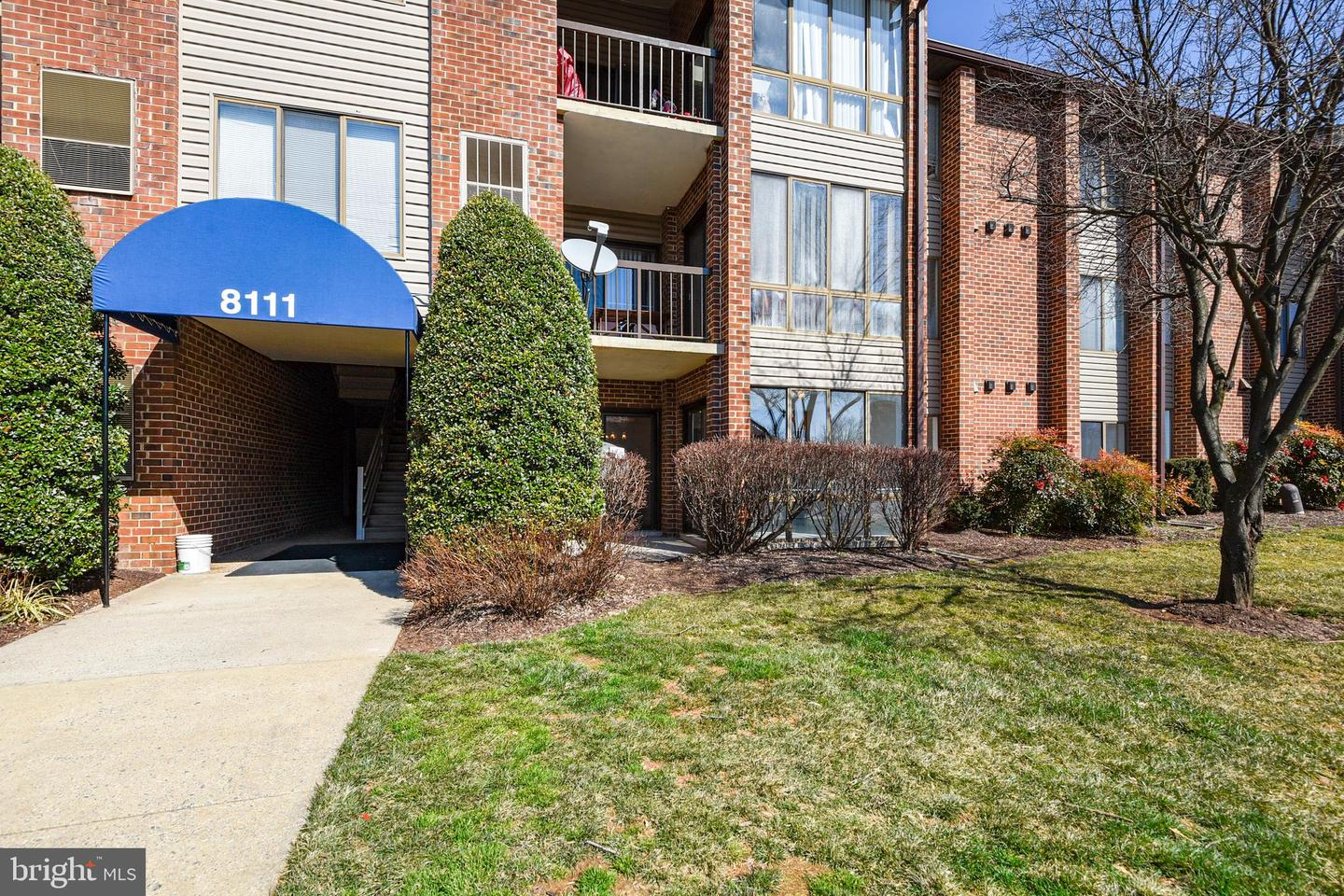 condominiums for Sale at 8111 Needwood Rd #t104 8111 Needwood Rd #t104 Derwood, Maryland 20855 United States
