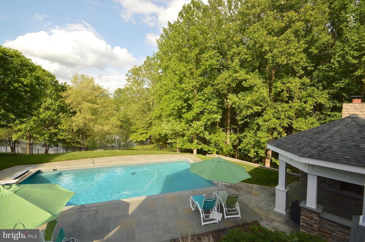 Additional photo for property listing at 14601 Mockingbird Dr Darnestown, Maryland 20874 United States