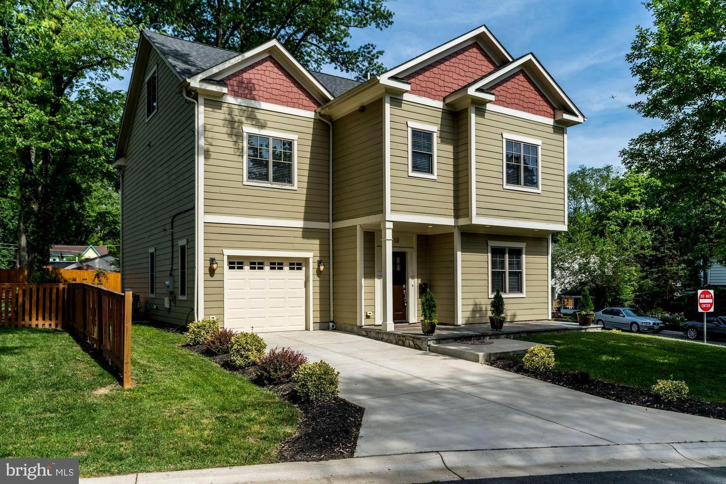 Condominiums for Sale at 13 Mckay Cir Cabin John, Maryland 20818 United States